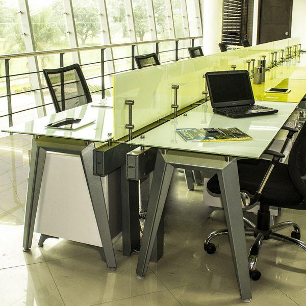 escritorios en vidrio